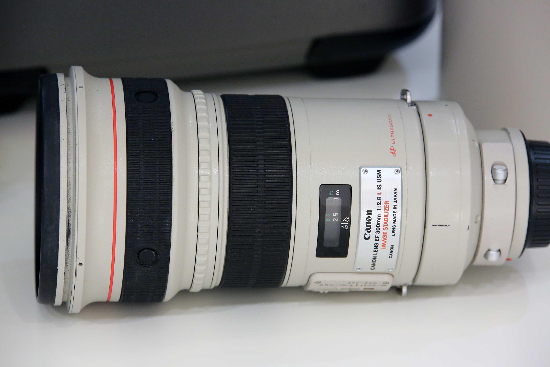 EF300IS_3.jpg